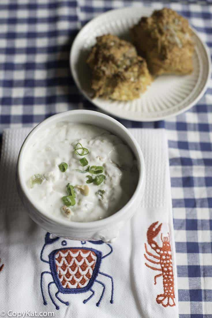Make a bowl of Red Lobster Clam Chowder at home with this copycat recipe.