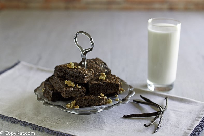 You can make delicious Hershey brownies at home with this easy recipe.