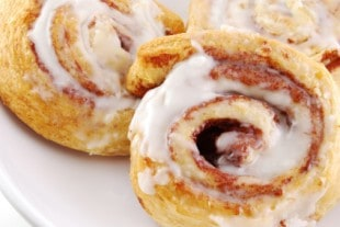 Cinnabon Cinnamon Roll
