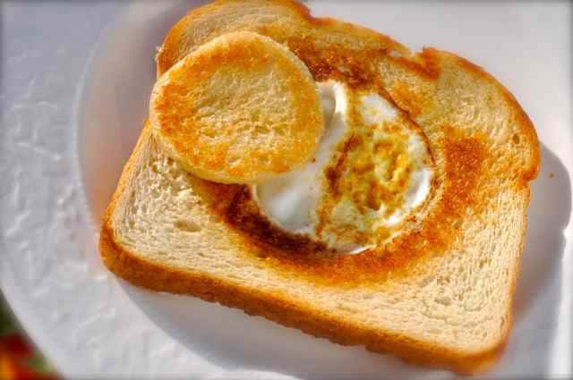Sourdough bread with cooked egg