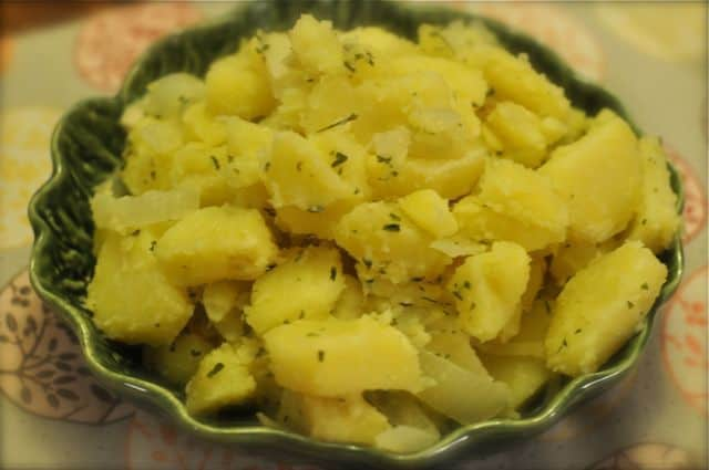 Potatoes with melted butter and parsley