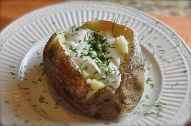 baked potato with salt crust