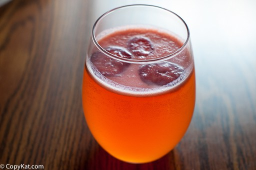Make your own delicious Strawberry Mimosa from Sunshine Bakery.   You are going to love this easy recipe.