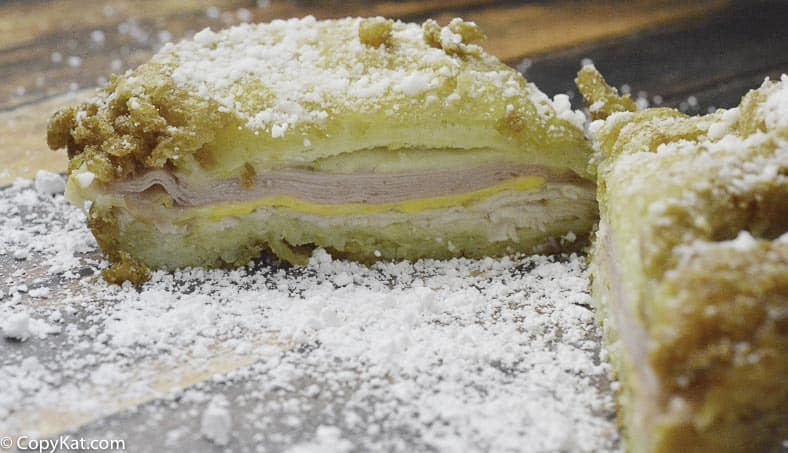 Make your own Cheddar's Monte Cristo sandwich with this easy copycat recipe.