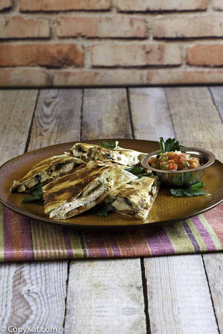 Make your own Alice Springs Quesadilla at home with this easy copycat recipe.