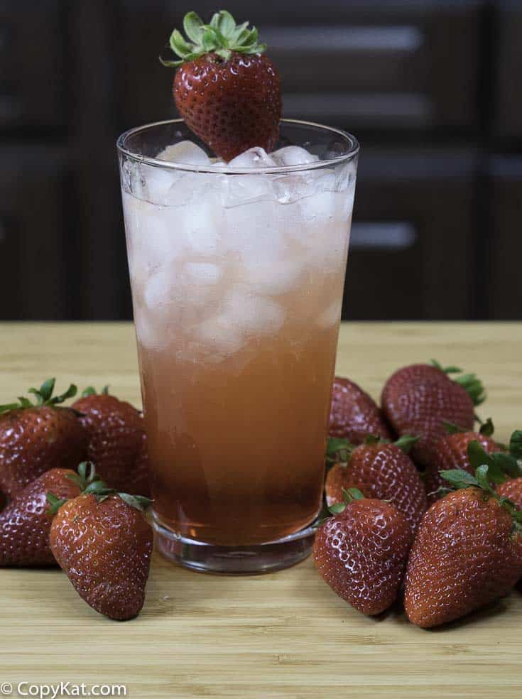 Enjoy make your own copycat Sonic Strawberry Lemonade at home, it's so easy to make.