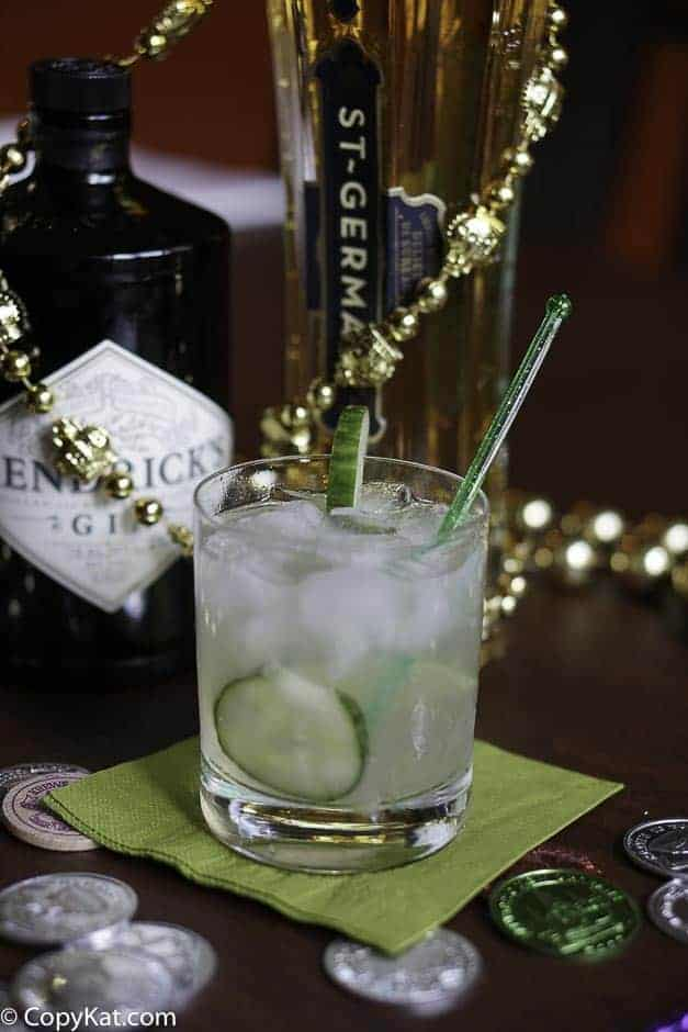 Enjoy a refreshing Fleur de Lis cocktail at home.