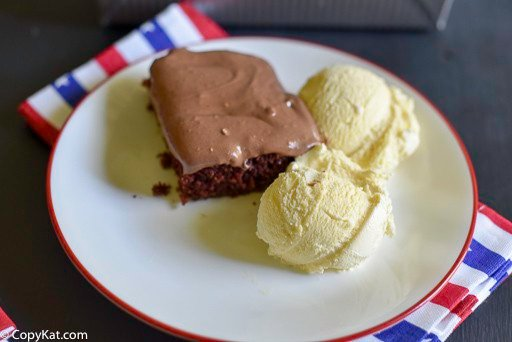 You can recreate the Cracker Barrel Double Fudge Coca Cake at home with this copycat recipe.