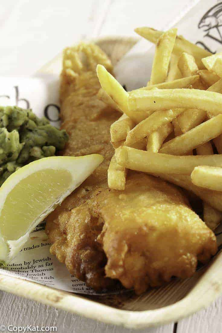 Fish and chips in beer batter for Beer battered fish and chips