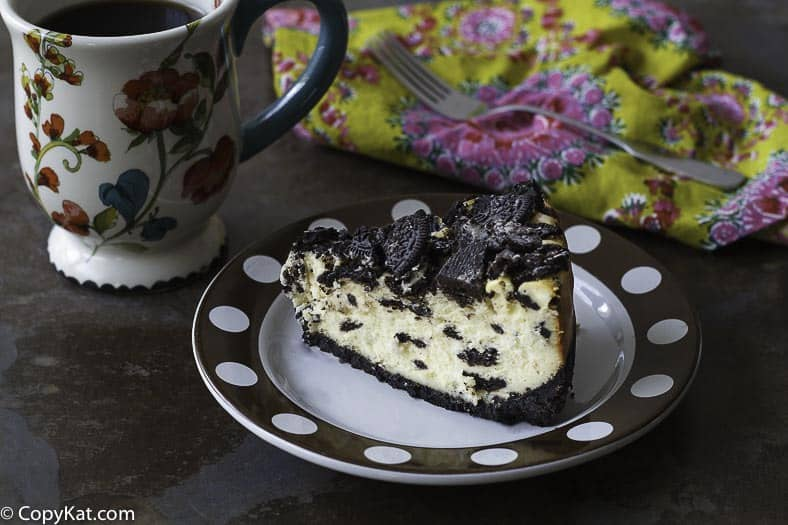 Make this delicious copycat recipe for the Cheesecake Factory Oreo Cheesecake.