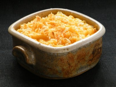 macaoni and cheese casserole