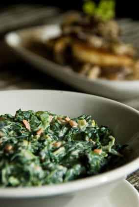 bowl of creamed spinach