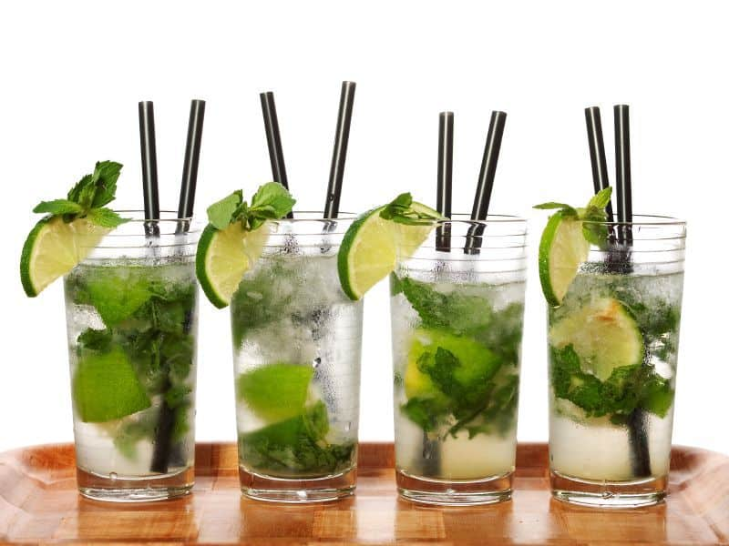 4 mojitos, limes, mint, and more