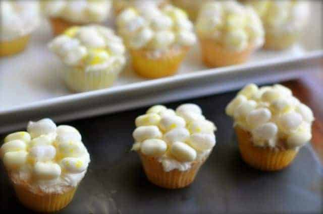 cupcakes that look like corn on the cob