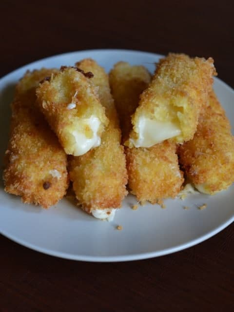 smoked mozzarella cheese sticks