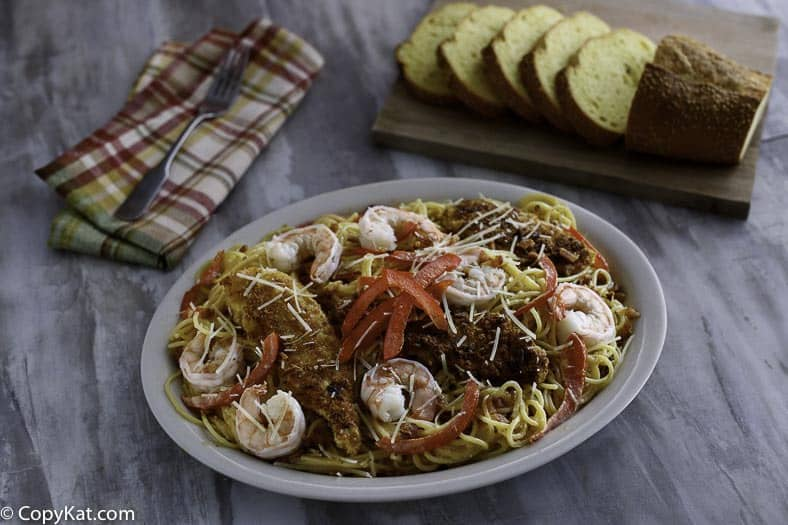 Olive Garden Shrimp Carbonara copycat recipe.   Enjoy this restaurant favorite at home.