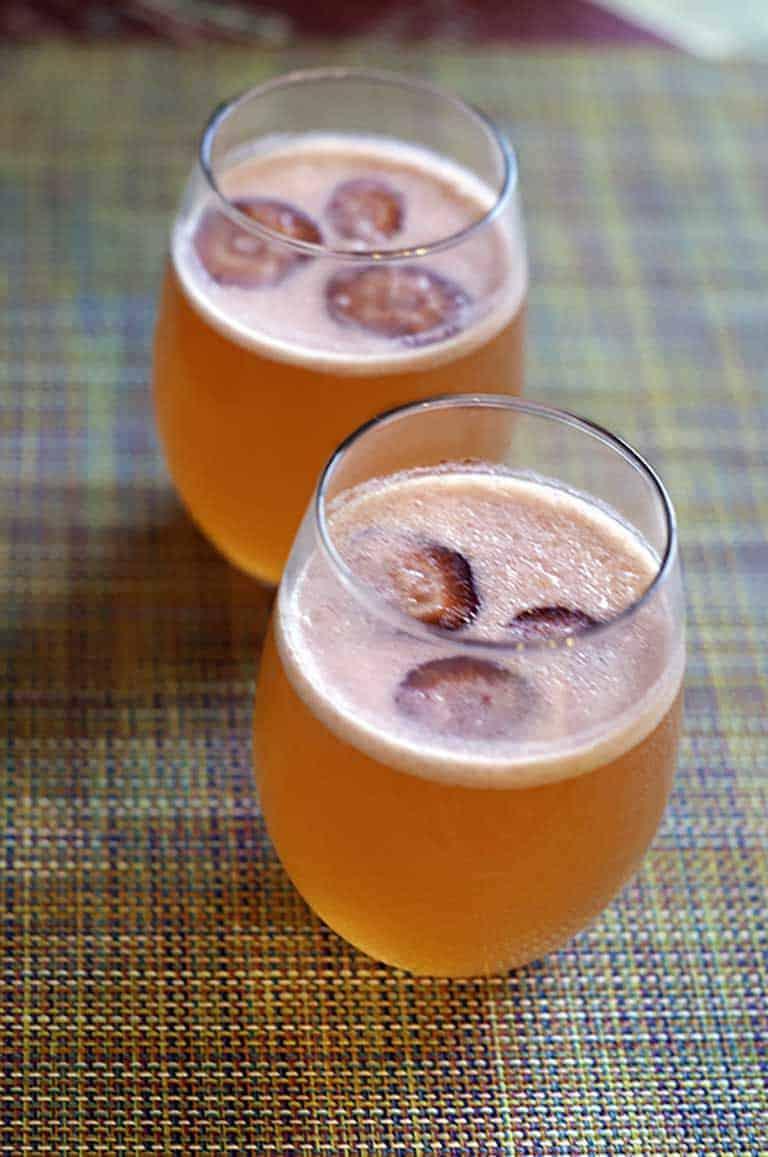 Make your own homemade Strawberry Lemonade Mimosa just like the Sunflower Bakery.