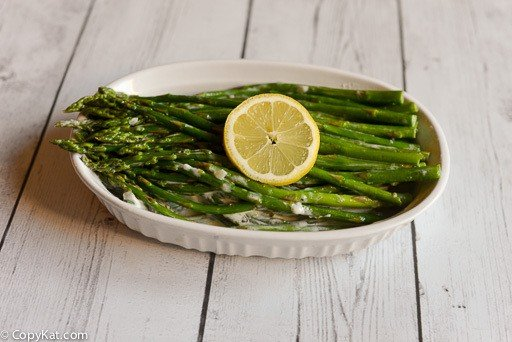 Enjoy simple to make Asparagus with cream sauce with this easy recipe.