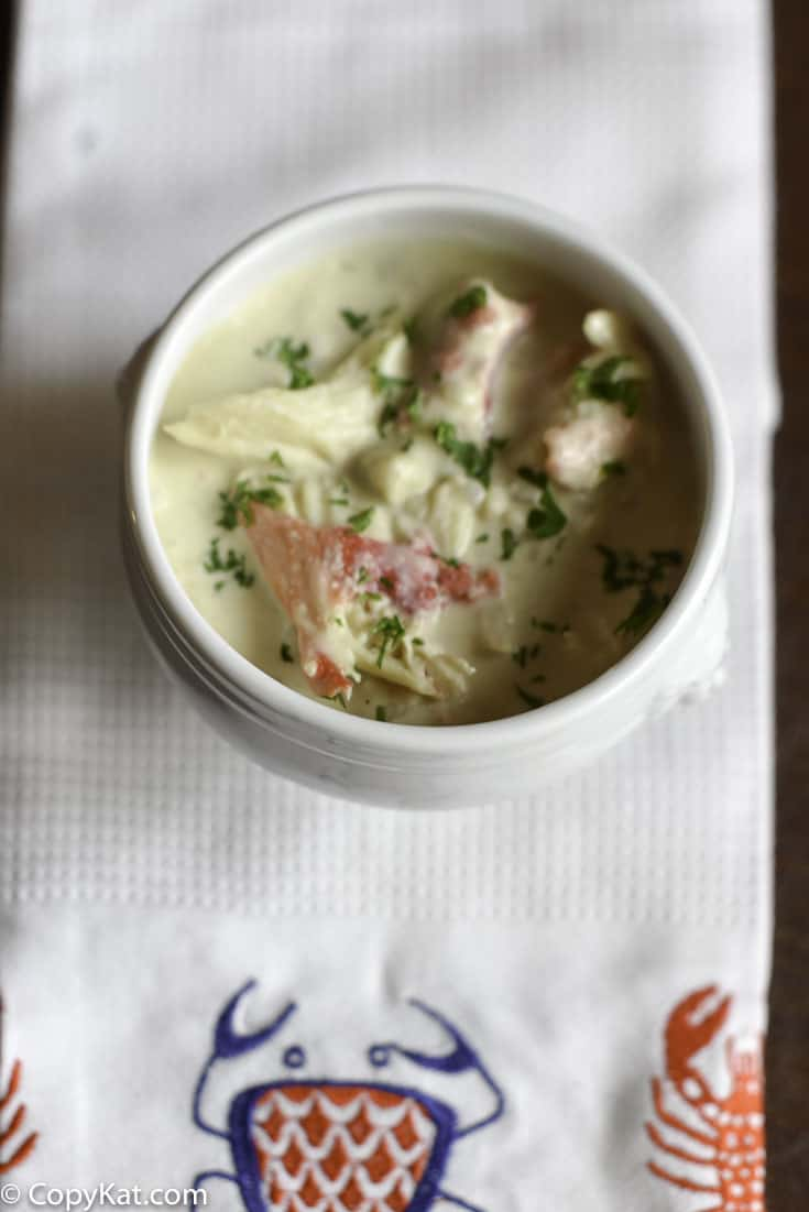 You can recreate crab bisque just like many restaurants serve. Try this recipe for homemade crab bisque soup.