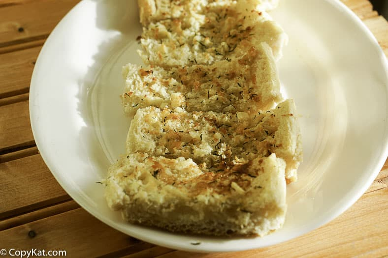 You can recreate the Commander's Palace Garlic Bread at home with this easy copycat recipe.